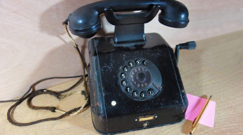 ilustracni-telefon
