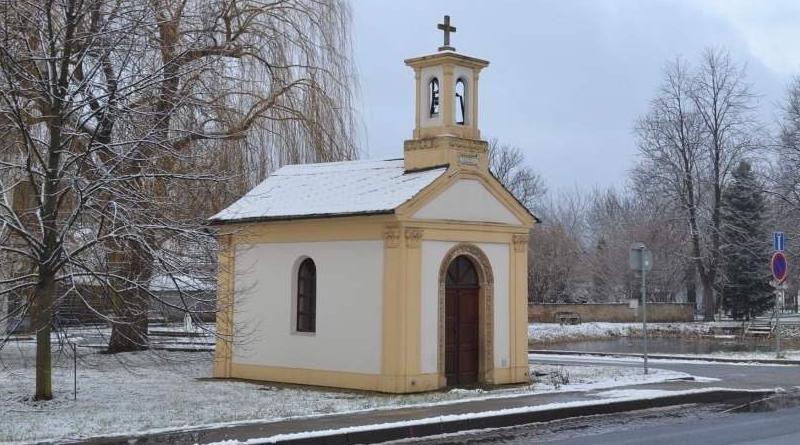 Kaplička v Dolních Měcholupech